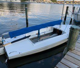 Small Sailboat Mast Cover